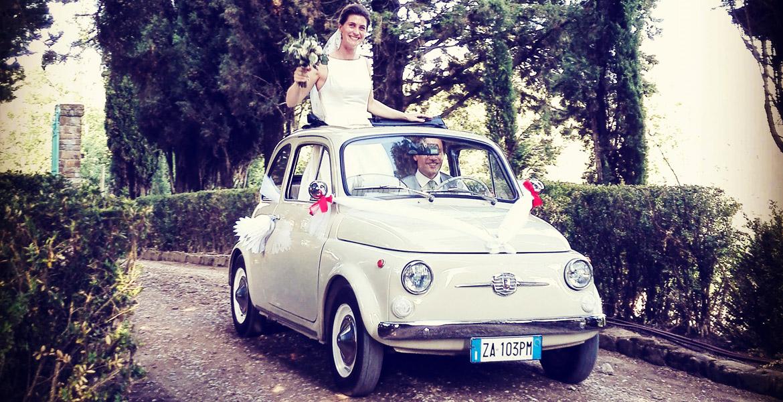 Photo de mariage en Italie à Florence. Le couple heureux vient de se marier.