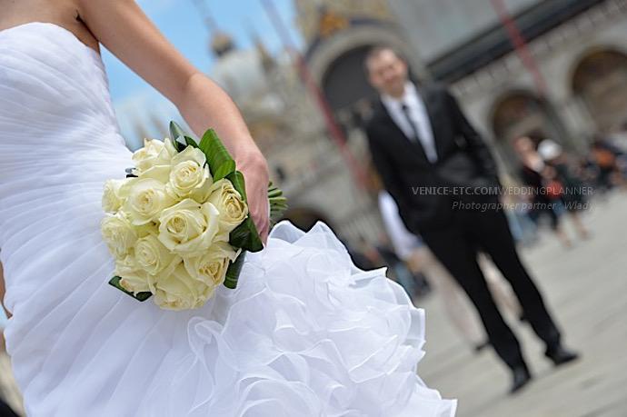Bouquet de fleurs dans un mariage à Venise