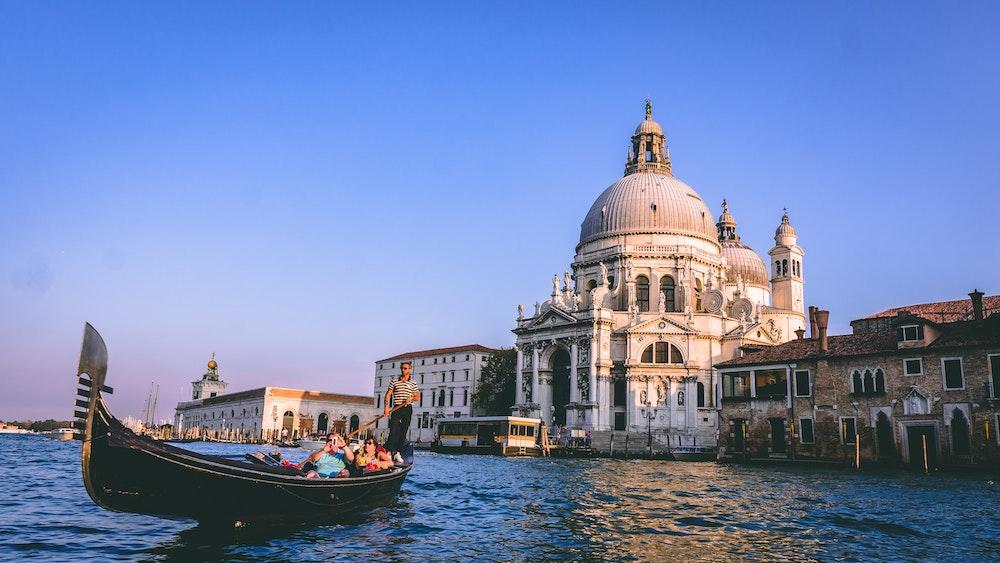 Image pour l'article tours de gondole à Venise.