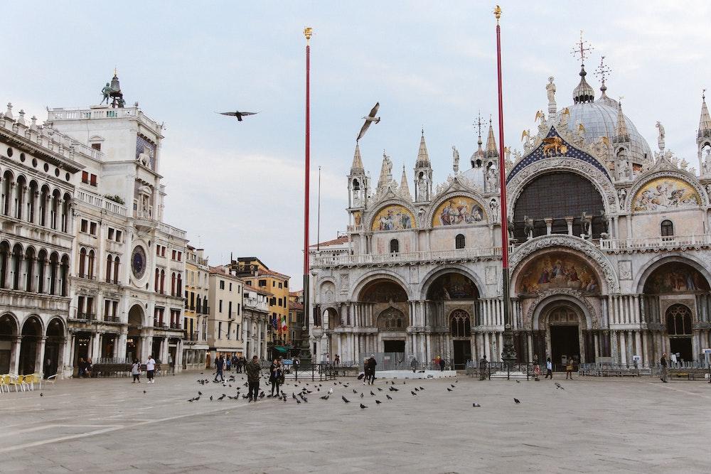Image de la place Saint Marc, une des activités principales à Venise